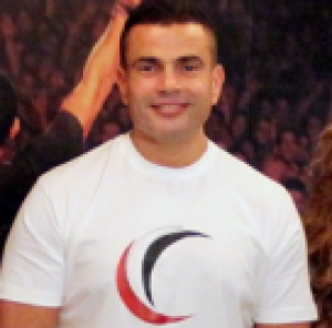 Amr Diab launches Masry Begad campaign